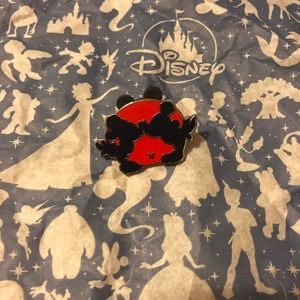 Mickey Silhouette Hidden Mickey Completer Pin